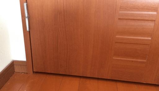 リビングの扉と洋室の扉を交換しました。